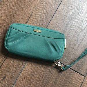 Travelon wristlet